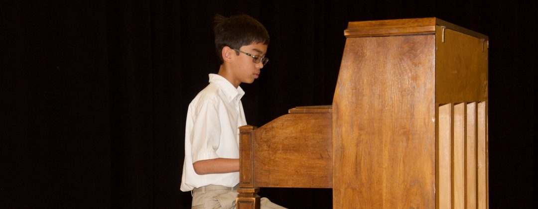 Student gives piano performance